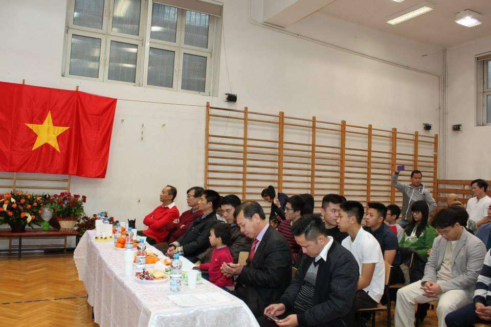 zaproszeni gości przedstawiciele środowisk Wietnamskich