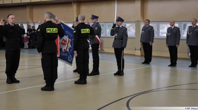 Nowi policjanci w komendzie Wysokiem Mazowieckiem